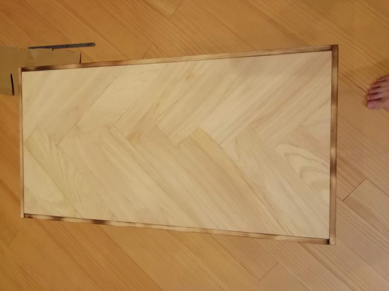 ヘリンボーン柄の天板を作成
